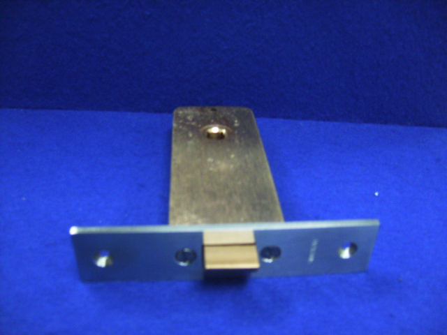JM43 LATCH 001