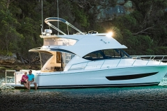 Direct Glazed & Curved Boat Windscreen