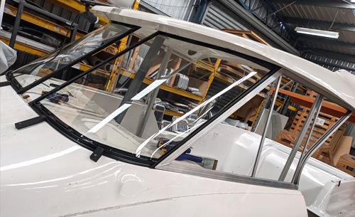 Custom Boat Windscreen Installation